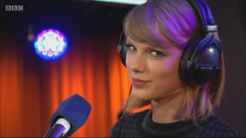 Taylor Swift - Love Story Radio 1's Teen Awards 2014 NEW 1080i
