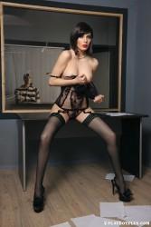 http://thumbnails112.imagebam.com/36013/2cdce8360128862.jpg