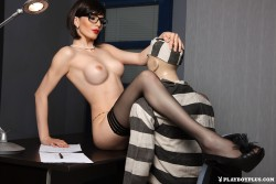 http://thumbnails112.imagebam.com/36013/f4798f360128798.jpg