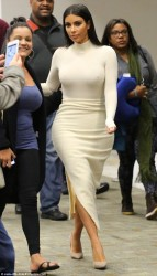 Kim Kardashian - airport in San Francisco 10/27/14