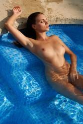 http://thumbnails112.imagebam.com/36421/5cdc50364203007.jpg