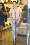 Kelly Brook - Shoe Shopping w/ Friend - Nov 18 2014