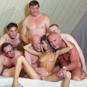 Порно фото молодых в лесу 40141 фотография