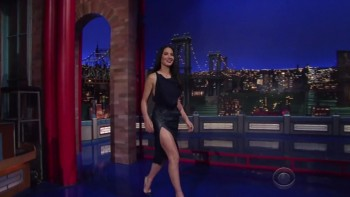 OLIVIA MUNN - HOT & LEGGY - The Late Show 12.09.14