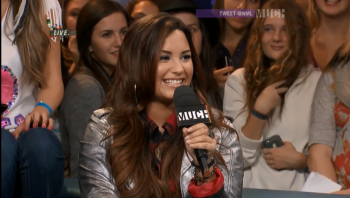 Demi Lovato hosts New Music Live 13th October 2011 768p Webrip