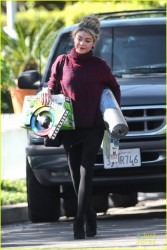 Sarah Hyland - Out in L.A. 12/13/14