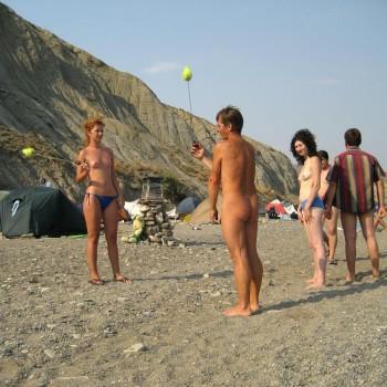 пляж нудисткий смотреть фото