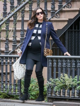 Liv Tyler - Make-up free - New York - x 5 lq