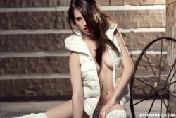 http://thumbnails112.imagebam.com/37755/53e664377540441.jpg