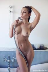 http://thumbnails112.imagebam.com/38457/a0f6c6384562868.jpg