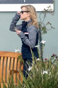 Reese Witherspoon Coffee shop in Brentwood February 4-2015 x12