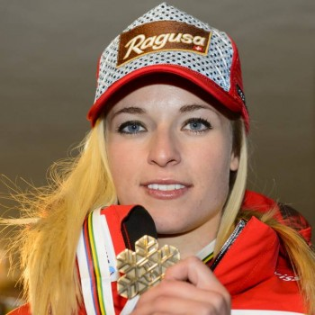 Lara Gut with her Bronzemedal - Vail - x 4