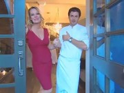 Jeri Ryan - TV Guide 2008 Restaurant Tour (pregnant/cleavage)