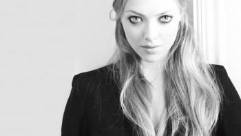 Amanda Seyfried - Cute Colored Picture - x 1