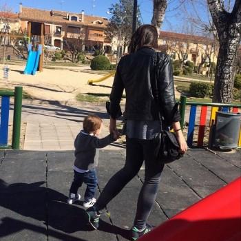 Martin con su tia Irene en Corral de Almaguer ( 07/03/2015) 107b07395555696