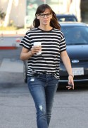 Jennifer Garner - Out and about in LA March 15-2015 x7