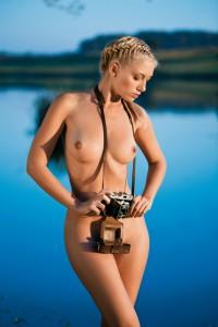 http://thumbnails112.imagebam.com/39832/dee32a398318949.jpg