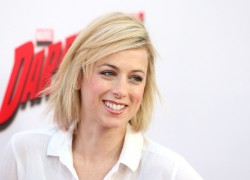 "Iliza Schlesinger - Attends the premiere of Netflix's ""Marvel's Daredevil"" 4/02/15"